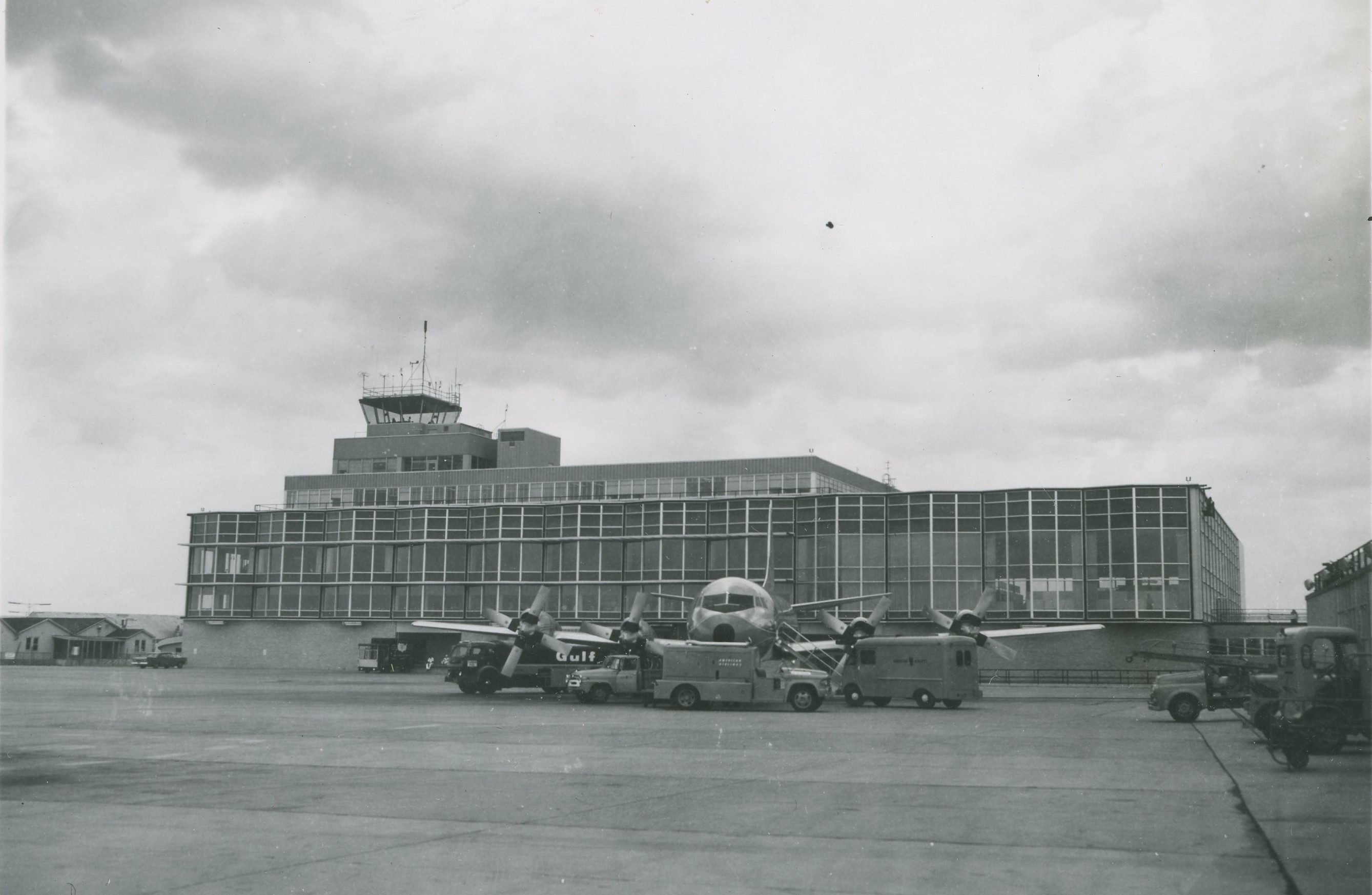 Airport History | Wayne County Airport Authority